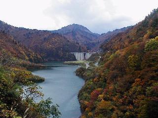 上流側からは他のダムでは見れない景色が広がりますの画像